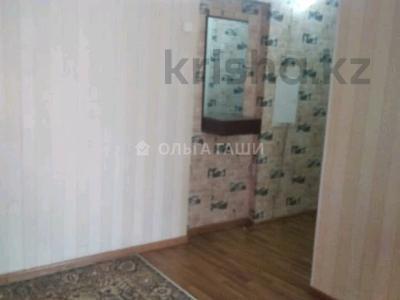 1-комнатная квартира, 35 м², 3/3 этаж помесячно, Желтоксан 16 — Сейфуллина за 100 000 〒 в Нур-Султане (Астана), Сарыарка р-н — фото 2