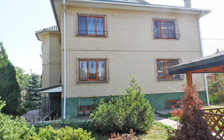 9-комнатный дом помесячно, 410 м², 8 сот., Кастеева — Бегалина за 1 млн 〒 в Алматы, Медеуский р-н