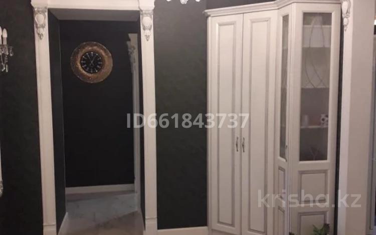 3-комнатная квартира, 87 м², 2/4 этаж, проспект Нурсултана Назарбаева 3 за 46.5 млн 〒 в Караганде, Казыбек би р-н