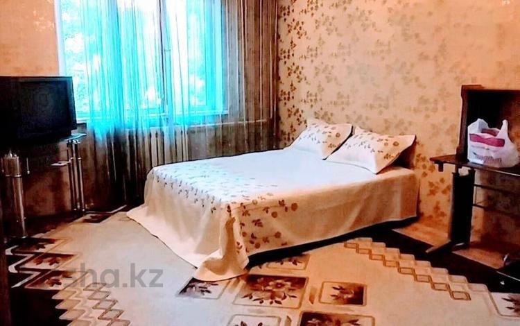 1-комнатная квартира, 40 м², 2/9 этаж, мкр Жетысу-4, Мкр Жетысу-4 за 15.5 млн 〒 в Алматы, Ауэзовский р-н