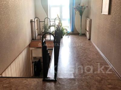 7-комнатный дом, 350 м², 9 сот., Мкр Кунгей за 47 млн 〒 в Караганде, Казыбек би р-н — фото 14