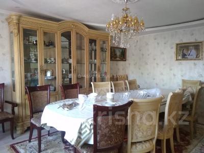 7-комнатный дом, 350 м², 9 сот., Мкр Кунгей за 47 млн 〒 в Караганде, Казыбек би р-н — фото 2