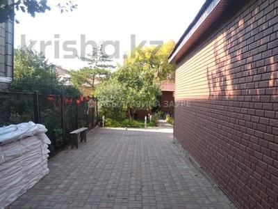 7-комнатный дом, 350 м², 9 сот., Мкр Кунгей за 47 млн 〒 в Караганде, Казыбек би р-н — фото 35