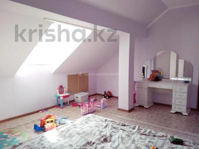 7-комнатный дом, 350 м², 9 сот., Мкр Кунгей за 47 млн 〒 в Караганде, Казыбек би р-н — фото 3