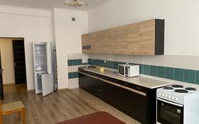 2-комнатная квартира, 91 м², 3/14 этаж помесячно, 17-й мкр 7 за 190 000 〒 в Актау, 17-й мкр