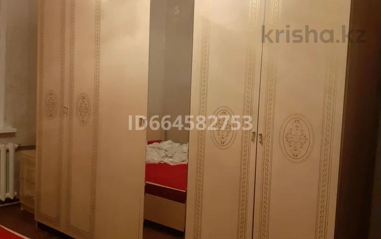 2-комнатная квартира, 70 м², 5/5 этаж помесячно, улица Момышулы 70/49 за 50 000 〒 в Кентау