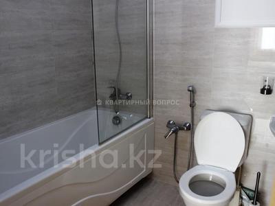2-комнатная квартира, 70 м², 6 этаж помесячно, 15-й мкр 69 за 250 000 〒 в Актау, 15-й мкр