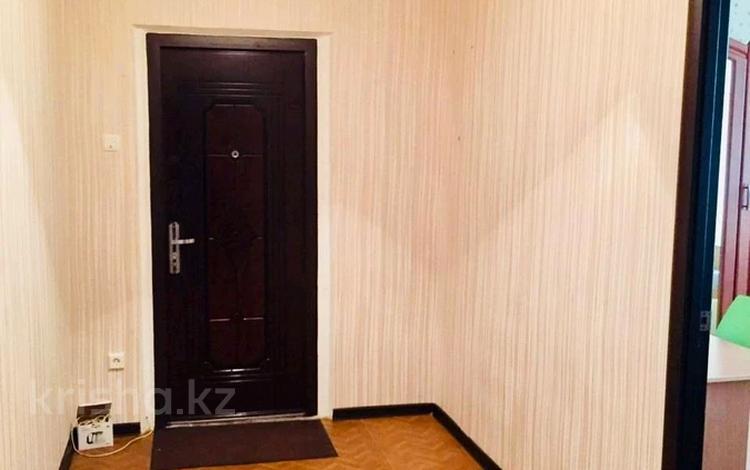 2-комнатная квартира, 60 м², 2/9 этаж, 5 мкр 4 за 16 млн 〒 в Аксае