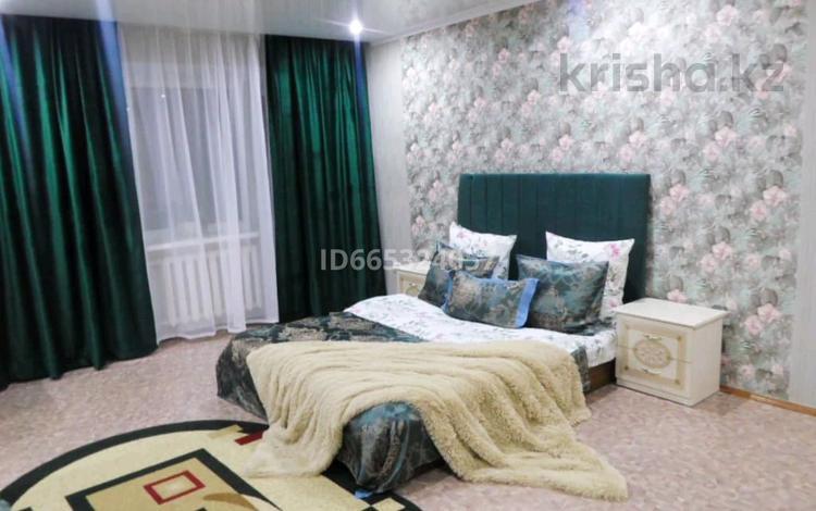 1-комнатная квартира, 38 м² посуточно, проспект Нурсултана Назарбаева 234 за 8 000 〒 в Уральске