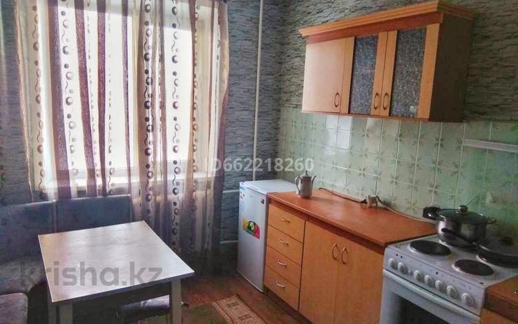 1-комнатная квартира, 42 м², 6/9 этаж, Гульдер Таттимбета 19 за 13 млн 〒 в Караганде, Казыбек би р-н