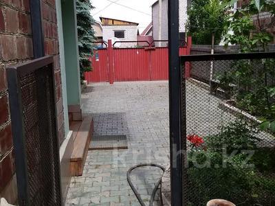8-комнатный дом, 256 м², 8 сот., Болашак 11 за 36 млн 〒 в Экибастузе — фото 2