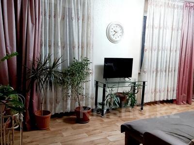3-комнатная квартира, 56 м², 3/5 этаж, мкр Айнабулак-3, Жумабаева — Макатаева за 22.5 млн 〒 в Алматы, Жетысуский р-н