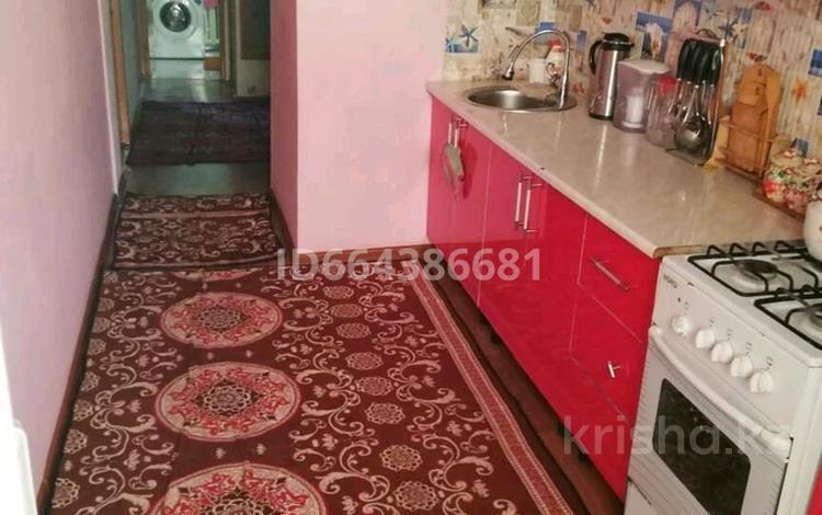 3-комнатная квартира, 85 м², 4/4 этаж, улица Аль-Фараби 96кв31 — Момышулы за 17 млн 〒 в Кентау