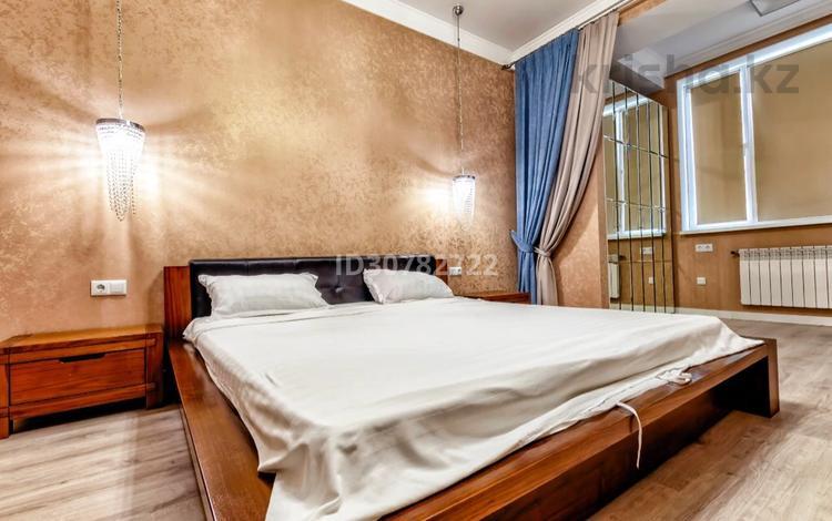 2-комнатная квартира, 75 м², 2 этаж посуточно, Мангилик Ел 37/1 за 15 000 〒 в Нур-Султане (Астана), Есиль р-н