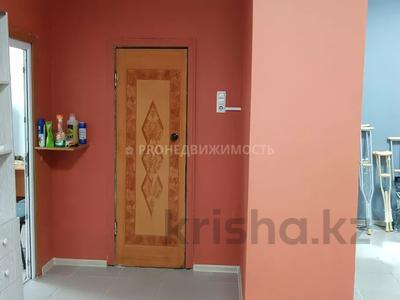 Магазин площадью 74 м², проспект Шакарима 171 за 15 млн 〒 в Усть-Каменогорске — фото 9
