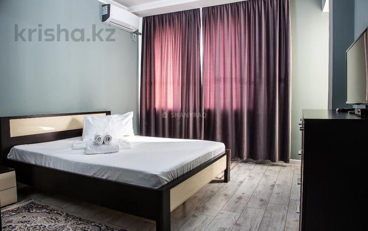 1-комнатная квартира, 50 м², 4/6 этаж посуточно, Владимирская 2в за 12 000 〒 в Атырау