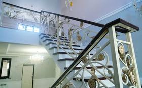 5-комнатный дом, 200 м², 5 сот., Жандосова за 135 млн 〒 в Алматы