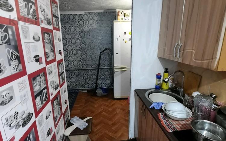 2-комнатная квартира, 30 м², 1/1 этаж, ул Аманжолоаа — Ост.Пединститут за 7 млн 〒 в Уральске