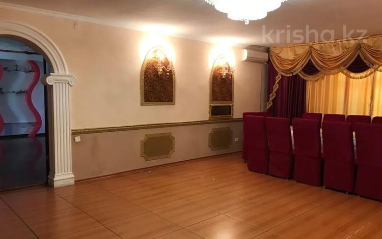 6-комнатный дом посуточно, 250 м², Даулеткерея — Ескалиев за 25 000 〒 в Уральске