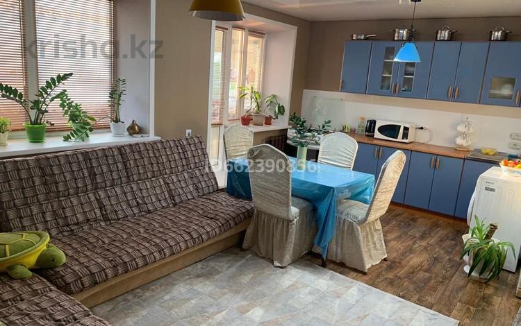 3-комнатная квартира, 64 м², 1/2 этаж, Королева 6 за 7 млн 〒 в Саумалколе