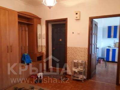 3-комнатная квартира, 90 м², 3/5 этаж помесячно, Сатпаева 21а за 150 000 〒 в Атырау — фото 5