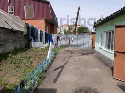 4-комнатный дом, 74 м², 2.7 сот., Баймагамбетова — Шевченко за 10 млн 〒 в Костанае — фото 3