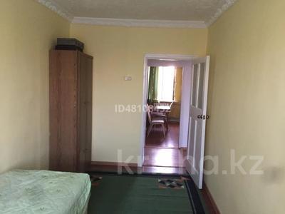 3-комнатная квартира, 57 м², 2/2 этаж помесячно, Баймуханова 32 за 100 000 〒 в Атырау — фото 4