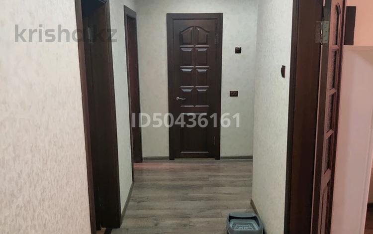 4-комнатная квартира, 92 м², 10/10 этаж, Академика Чокина 38 — 1 Мая за 20 млн 〒 в Павлодаре