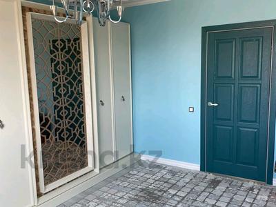 4-комнатный дом, 220 м², мкр Рахат 404/16 за 64 млн 〒 в Алматы, Алатауский р-н