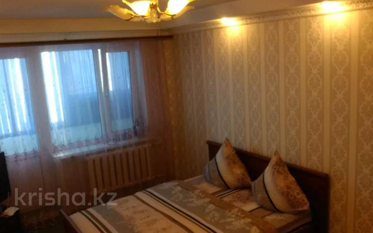 1-комнатная квартира, 37 м², 3 этаж посуточно, 11-й микрорайон 36 за 5 000 〒 в Актобе, мкр 11