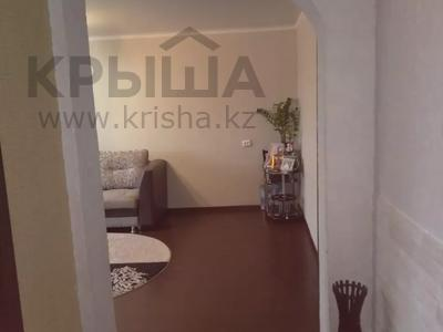 3-комнатная квартира, 68 м², 9/9 этаж, проспект Строителей 25 за 13 млн 〒 в Караганде, Казыбек би р-н — фото 5