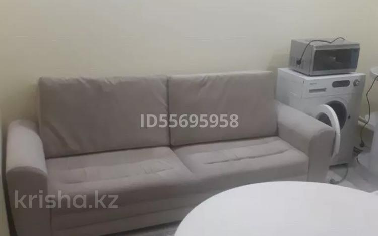 1-комнатная квартира, 54 м², 1/5 этаж помесячно, 1-й мкр 1/1 за 90 000 〒 в Актау, 1-й мкр