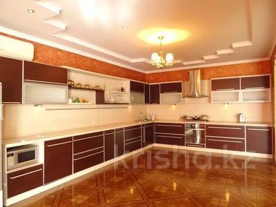 3-комнатная квартира, 112 м², 3/4 этаж, Триумфальная 10/2 за 8 млн 〒 в Сочи