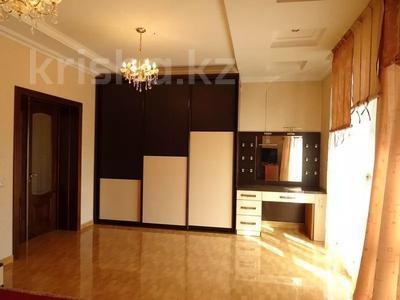 3-комнатная квартира, 112 м², 3/4 этаж, Триумфальная 10/2 за 8 млн 〒 в Сочи — фото 5