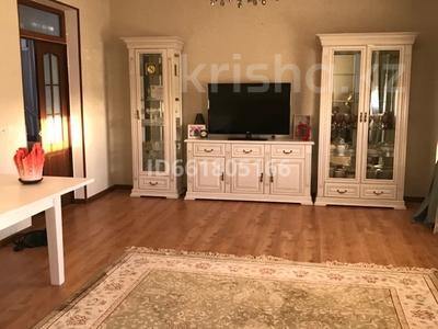 4-комнатный дом помесячно, 125 м², 5 сот., Мирас — Жибек жолы за 180 000 〒 в Шымкенте, Каратауский р-н