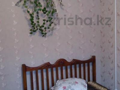 1-комнатная квартира, 33 м², 1/5 этаж посуточно, улица Курмангазы 163 — проспект Евразия за 5 000 〒 в Уральске