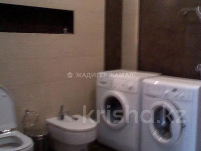 5-комнатная квартира, 450 м², 5/5 этаж помесячно, Домалак Ана 21 за 1 млн 〒 в Нур-Султане (Астана), Есиль р-н — фото 12