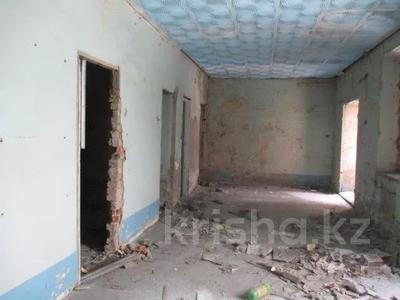 Здание, площадью 853 м², Абая 197 за ~ 12.4 млн 〒 в Усть-Каменогорске — фото 3