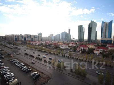 2-комнатная квартира, 58 м², 7/14 этаж, Сарайшык 5 за 24.3 млн 〒 в Нур-Султане (Астана), Есиль р-н — фото 25