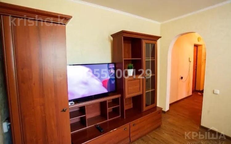 2-комнатная квартира, 48 м², 3/5 этаж помесячно, Маншук Маметовой за 100 000 〒 в Уральске