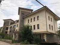 Здание, площадью 1427 м²