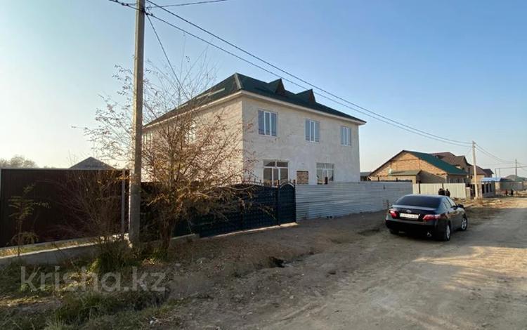 5-комнатный дом, 308 м², 8 сот., Карасу 3 за 19 млн 〒 в Каргалы (п. Фабричный)
