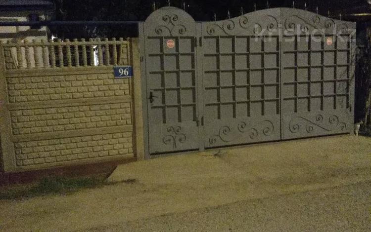 4-комнатный дом, 110 м², 10 сот., С.Датова 96 — Щербакова датова за 18 млн 〒 в Таразе