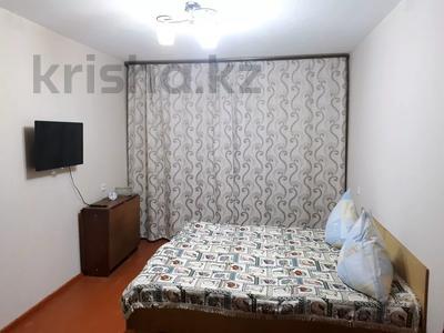 2-комнатная квартира, 55 м², 1/5 этаж по часам, Кердери (Сурова) 172/1 — КазИИТУ за 1 000 〒 в Уральске
