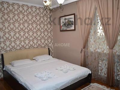 2-комнатная квартира, 65 м², 13/16 этаж посуточно, Бальзака 8 Б за 12 000 〒 в Алматы, Бостандыкский р-н — фото 2