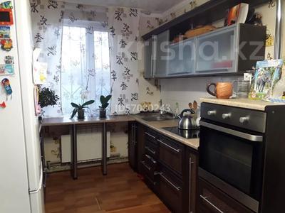 3-комнатный дом, 90 м², 10 сот., 22 мкр 17 за 19 млн 〒 в Усть-Каменогорске