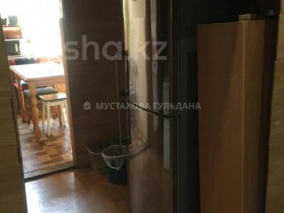 3-комнатная квартира, 72 м², 2/2 этаж, Амангельды — проспект Жибек Жолы за 25 млн 〒 в Алматы, Алмалинский р-н — фото 12
