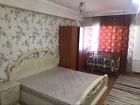 3-комнатная квартира, 120 м², 3/5 этаж на длительный срок, Абая 190 за 150 000 〒 в Таразе
