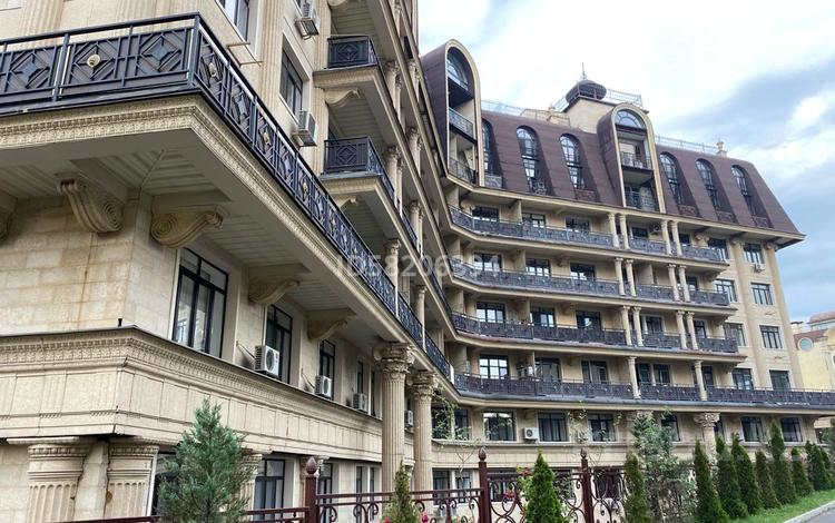 2-комнатная квартира, 77.5 м², 2/8 этаж, мкр Юбилейный, Омарова 31/1 за 49 млн 〒 в Алматы, Медеуский р-н