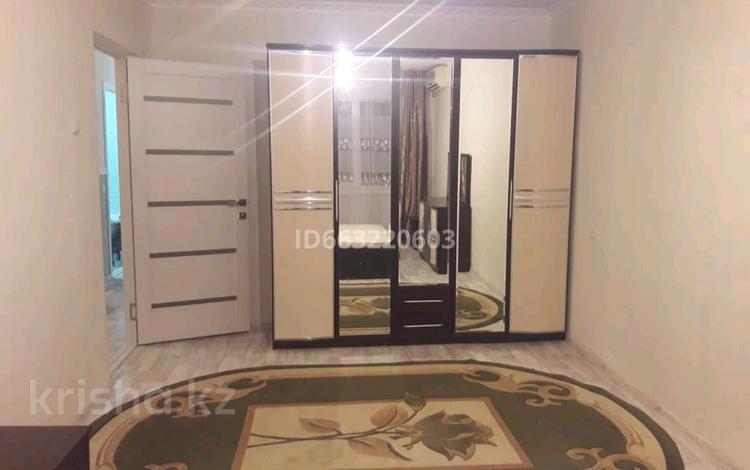 3-комнатная квартира, 63 м², 2/5 этаж помесячно, Привокзальный-3А 8а за 120 000 〒 в Атырау, Привокзальный-3А
